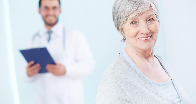 anziana-medico