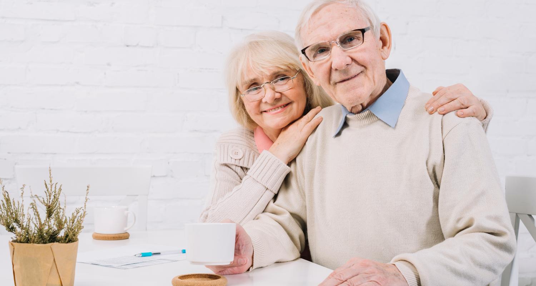 coppia-anziani-felici